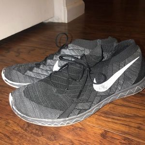 cheap for discount 6f685 a4819 Men s Nike Free Flyknit 3.0 on Poshmark